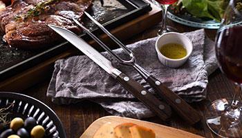 「大人の鉄板」ナイフ&フォーク、専用ウッドボード新発売